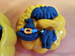 cat-bat-witch-hat-cookies-made-with-halloween-cookie-press-disks-2014-impress-bakeware-llc-spritz