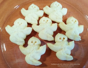 ghost-cookies-made-with-halloween-cookie-press-disks-2014-impress-bakeware-llc-spritz