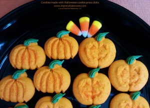 pumpkin-jack-o-lantern-cookies-made-with-halloween-cookie-press-disks-2014-impress-bakeware-llc-spritz