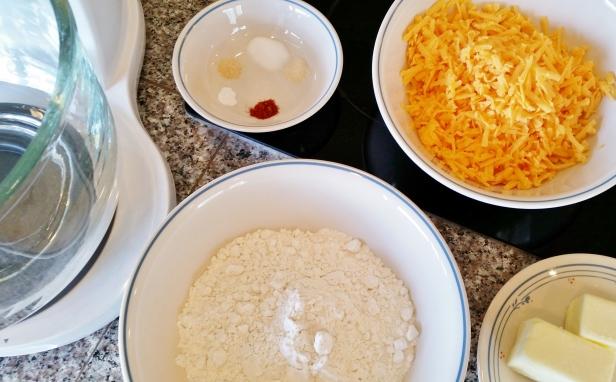 Makiing Cheddar Cheese Crackers © 2015 Impress! Bakeware™