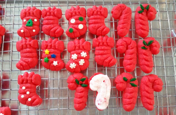 n Peppermint Candy Cane & Stocking Sandwich Cookies Stuffed Crushed Peppermint cookie press spritz © 2017 Impress! Bakeware, LLC.jpg