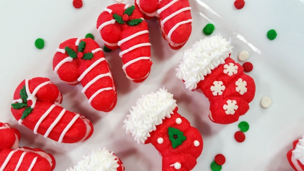 x Peppermint Candy Cane & Stocking Sandwich Cookies Stuffed Crushed Peppermint cookie press spritz © 2017 Impress! Bakeware, LLC.jpg