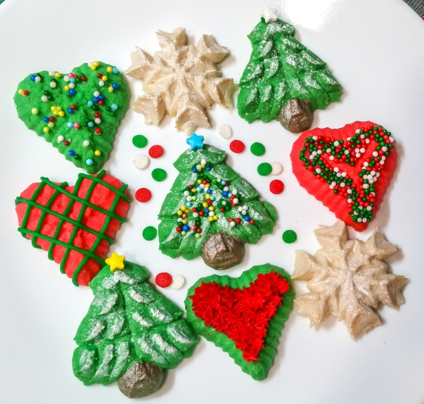 Christmas Is Love Spritz Cookies © 2019 Impress! Bakeware, LLC b.jpg