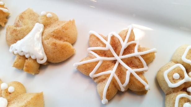 Snickerdoodle Spritz Snowflakes and Angels © 2019 Impress! Bakeware, LLC f.jpg