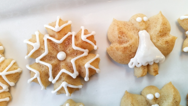 Snickerdoodle Spritz Snowflakes and Angels © 2019 Impress! Bakeware, LLC g.jpg