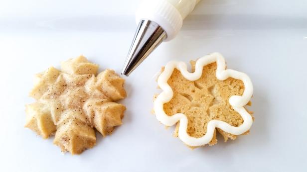 Snickerdoodle Spritz Snowflakes sandwiches © 2019 Impress! Bakeware, LLC a.jpg