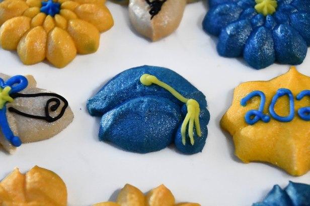 Graduation Spritz Cookies e © Impress! Bakeware, LLC